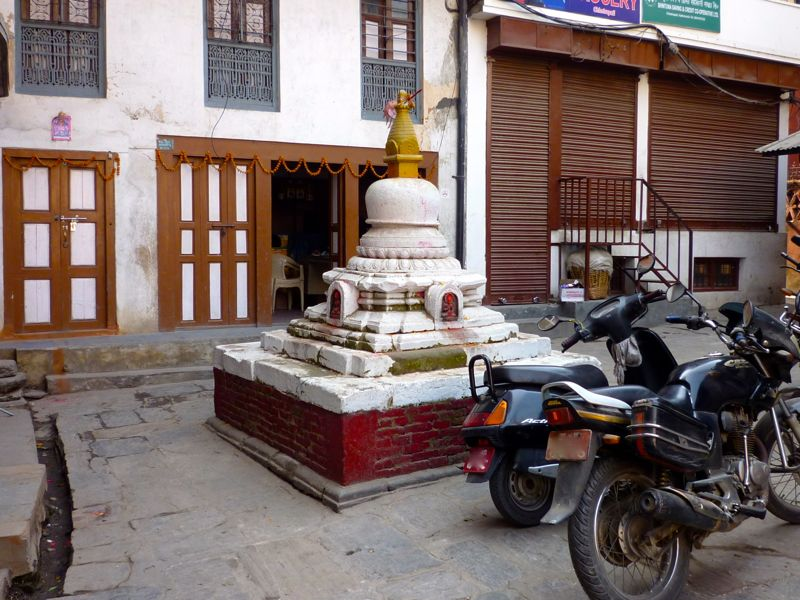 Tamel〜Swayambhunath途上のStupaやChaitya