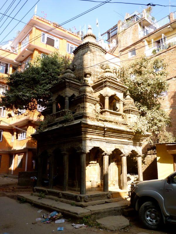 Jana Bahal近くのヒンドゥー祠堂 - パタン