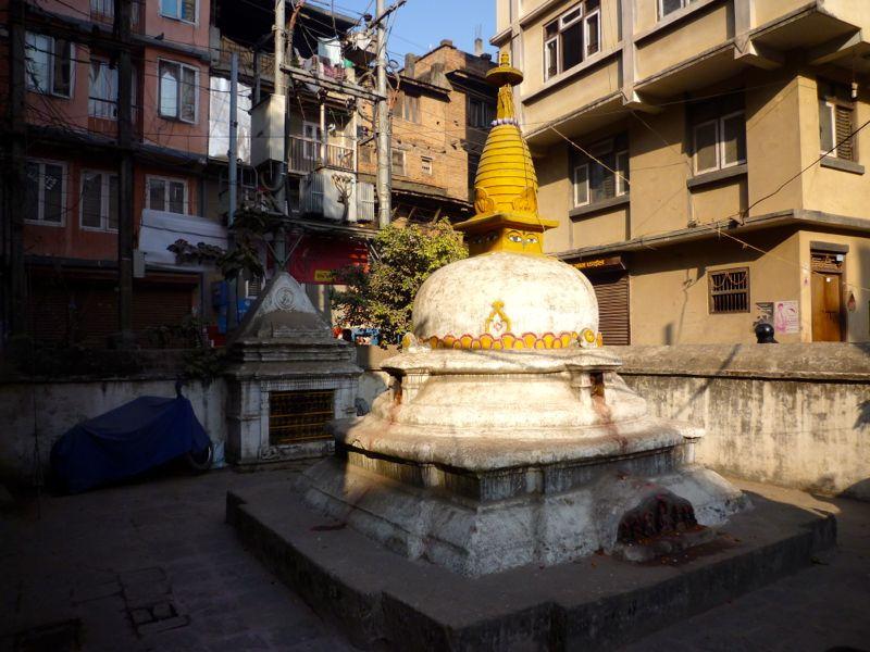 Lagan Chowk付近の仏塔